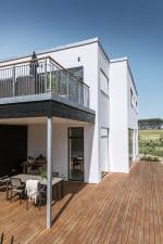 Skanlux Funkis 2-plan 233m2 facade og terrasse